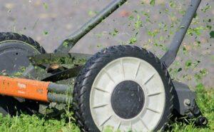 lawn mower perth cutting grass